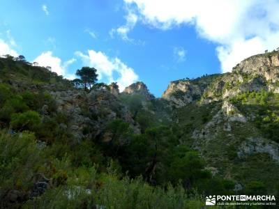 Axarquía- Sierras de Tejeda, Almijara y Alhama; club de montaña en madrid; grupos de trekking